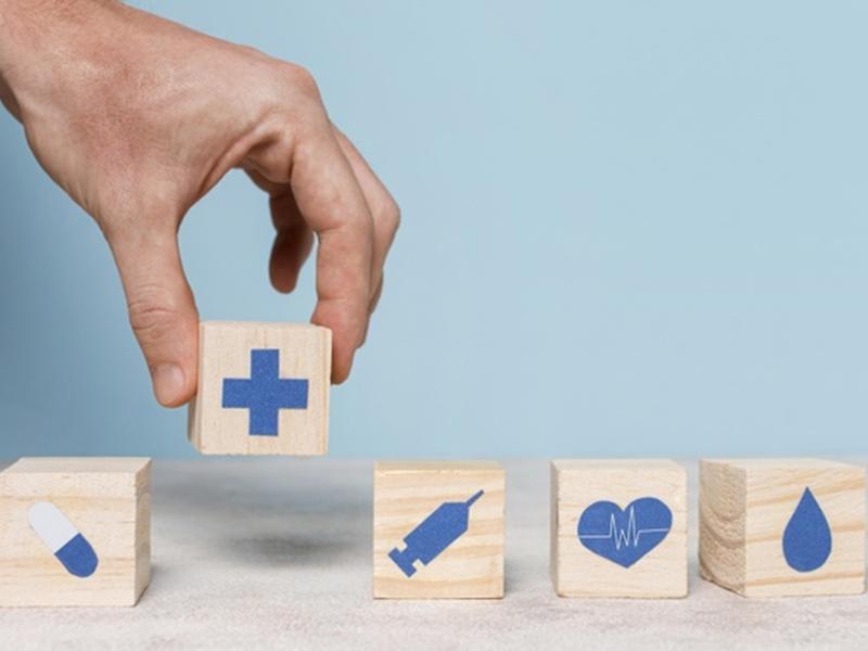 ประกันชีวิต vs ประกันสุขภาพ ทำแบบไหนคุ้มกว่า?