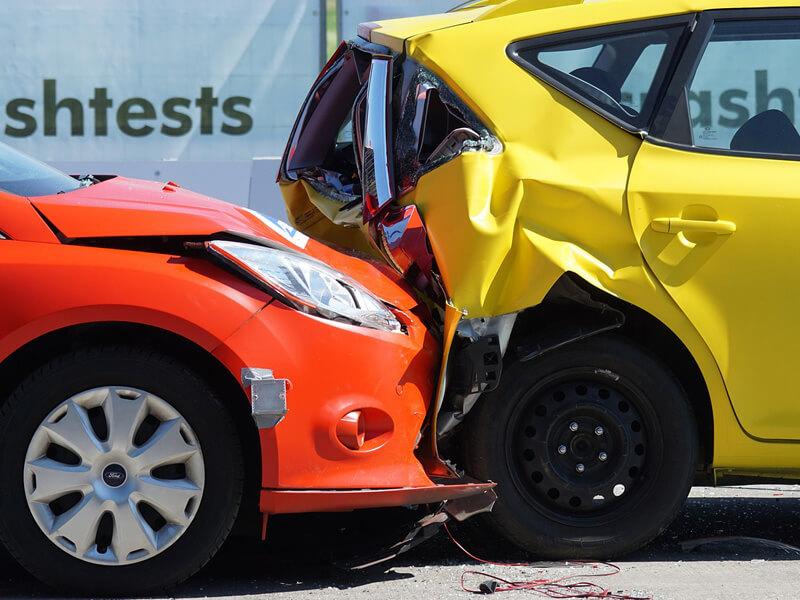 ไขข้อข้องใจ รถชนท้าย ใครผิด ใครถูก