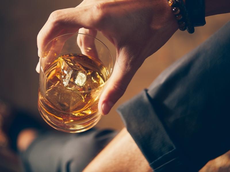 นักดื่มควรรู้ สารก่อมะเร็งในสุรา อันตรายกว่าที่คิด