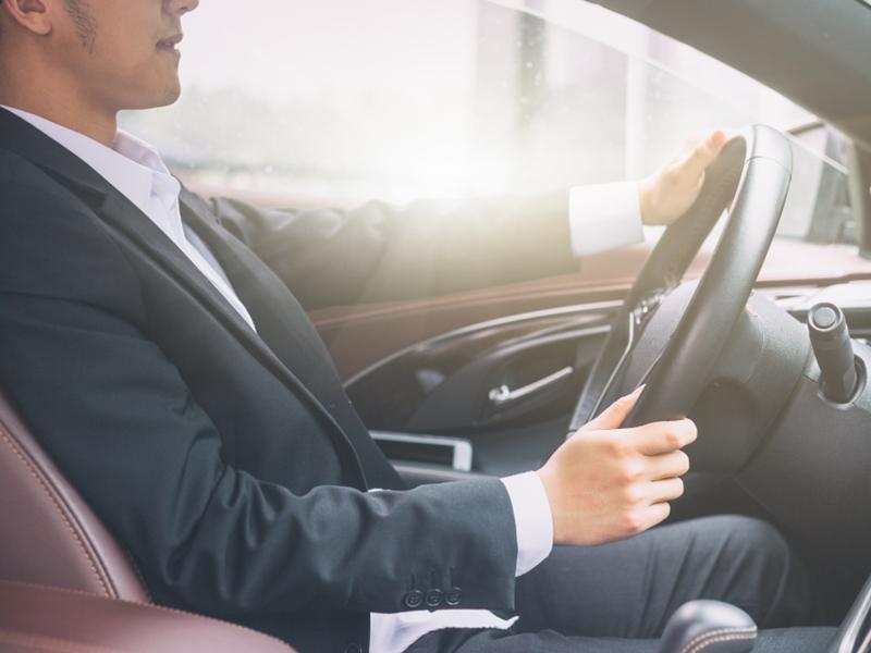 ท่านั่งขับรถที่ถูกต้อง ป้องกันอุบัติเหตุบนท้องถนน